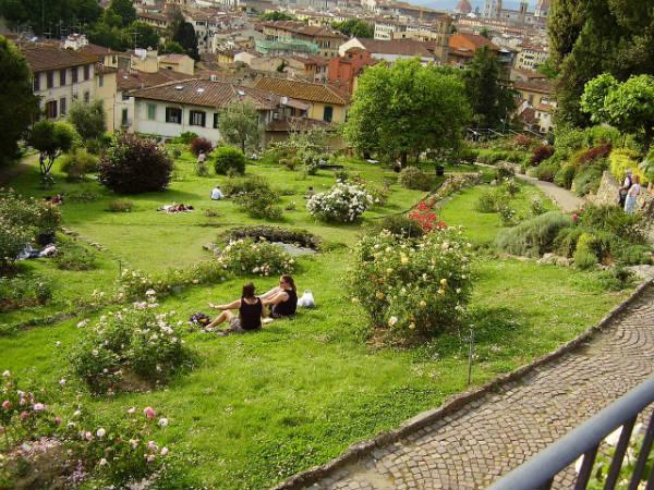 Italiano per stranieri una comprensione su tre giardini for Giardino firenze
