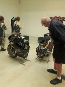 Motocicletta segata a metà